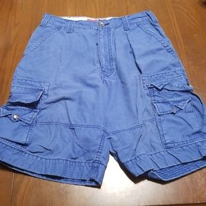Levi's blue cargo shorts, long length E323:5:618